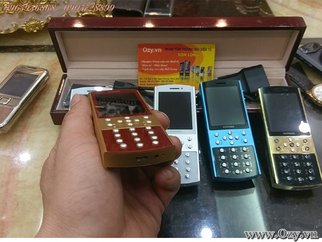 Mobiado 712 GCB collection red gold