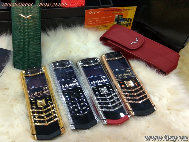 3f27ff026fa1 Vertu Signature S Clous de Paris