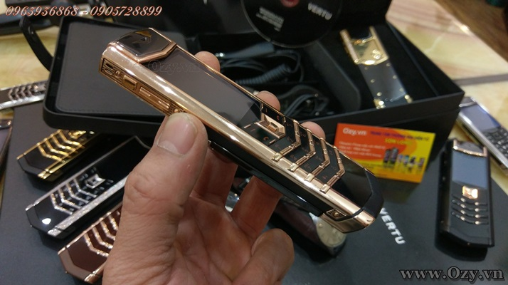 Vertu s rose gold